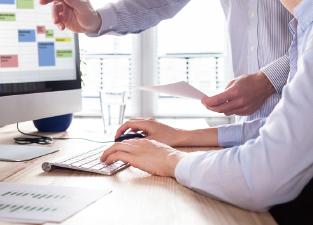 数値に基づく徹底的な分析テレマーケティング専門のシステムを導入